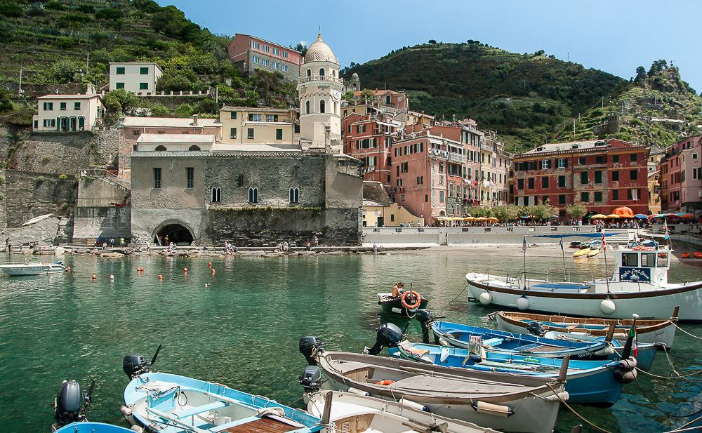A bucket list spot in the heart of Italy! Cinque Terre is a unique paradise that will leave you without words! Here are the best things to do!