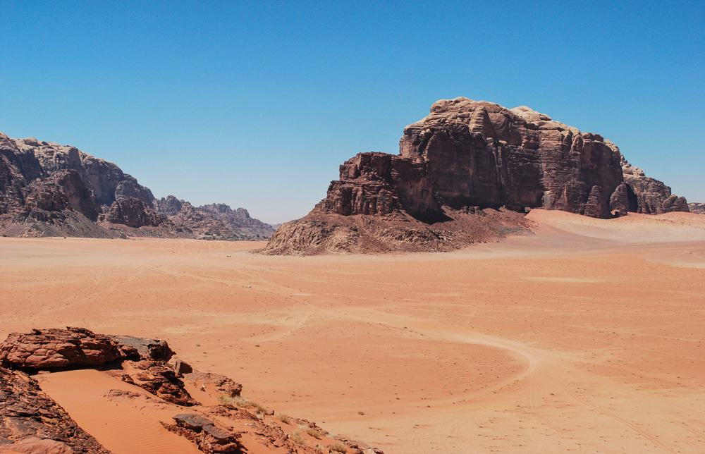 You are going to have to write these down! Jordan is an amazing country and these are just the top highlights you cannot miss! Jordan: places to visit! Wadi Rum Desert