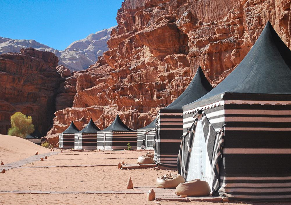 You are going to have to write these down! Jordan is an amazing country and these are just the top highlights you cannot miss! Jordan: places to visit! Wadi Rum bedouin camp.