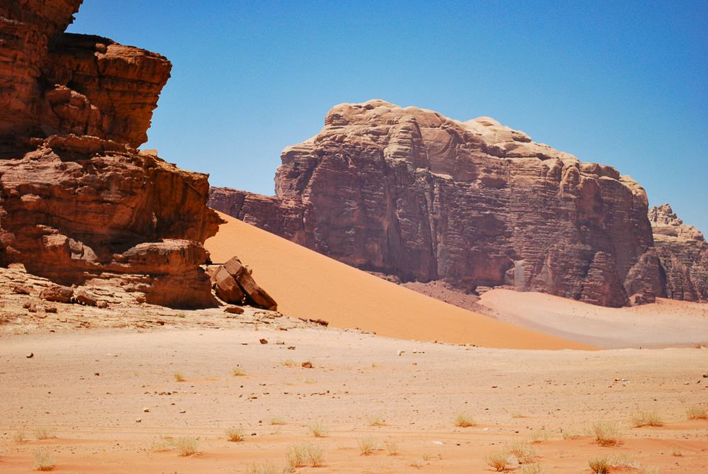 You are going to have to write these down! Jordan is an amazing country and these are just the top highlights you cannot miss! Jordan: places to visit! Wadi Rum.