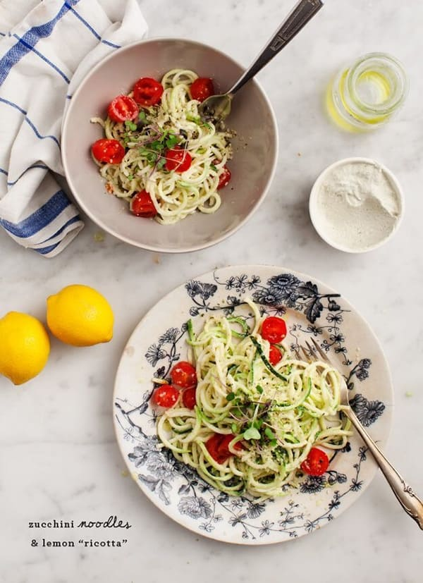 Zucchini Noodles and Lemon Ricotta - Genius healthy and low-carb spiralizer recipes you need to try. Plus all the tricks and tips you need to know to spiralize zucchini and any other vegetables, and how to store them to keep them fresh for longer!