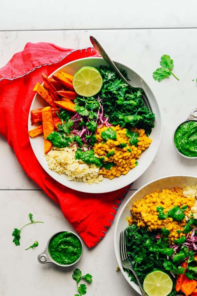 ThisCurried Lentil & Sweet Potato Bowl looks so good and delicious, it seems impossible it can be ready in only 30 minutes. Follow the step in the recipe, and you will end up with a delicious and filling dinner, packed with protein.