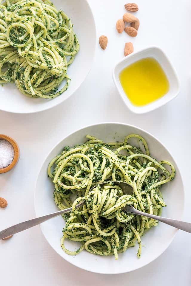 This vegan winter kale pesto recipe is so good, you will want to eat it every day. A truly sensational seasonal pesto recipe that you won't easily forget! Plus, who doesn't love pasta for dinner? Yummy!