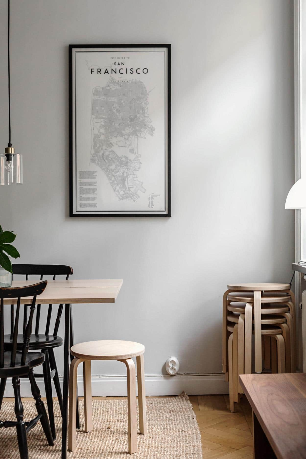 How To Decorate A Small Apartment: 10 Secrets - Gathering Dreams