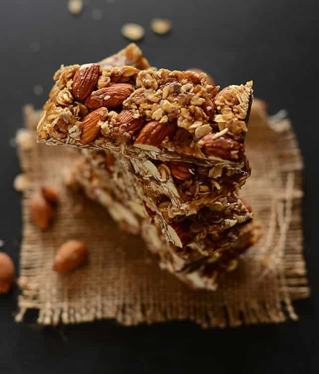 Healthy 5-Ingredient Granola Bars | 15 Healthy Vegan Snacks, made with whole plant-based ingredients, that are perfect to stay in shape! All these DIY snacks are portable, gluten-free and less than 150 calories! These energizing snacks will keep you on track while on a healthy balanced diet!