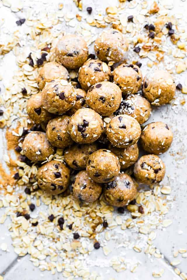 Vegan Cowboy Cookies Energy Bites (No Bake) | 15 Healthy Vegan Snacks, made with whole plant-based ingredients, that are perfect to stay in shape! All these DIY snacks are portable, gluten-free and less than 150 calories! These energizing snacks will keep you on track while on a healthy balanced diet!