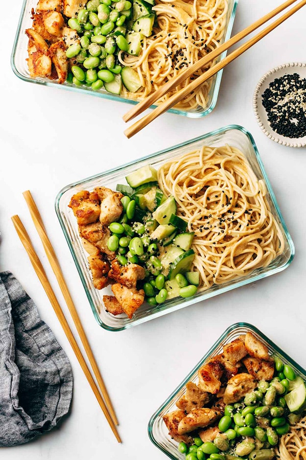 15-minute Meal Prep: Sesame Noodle Bowls @ Pinch of Yum: From protein-packed to vegetarian-friendly, these are the perfect healthy meal prep ideas to prep on Sunday in less than 30 minutes!