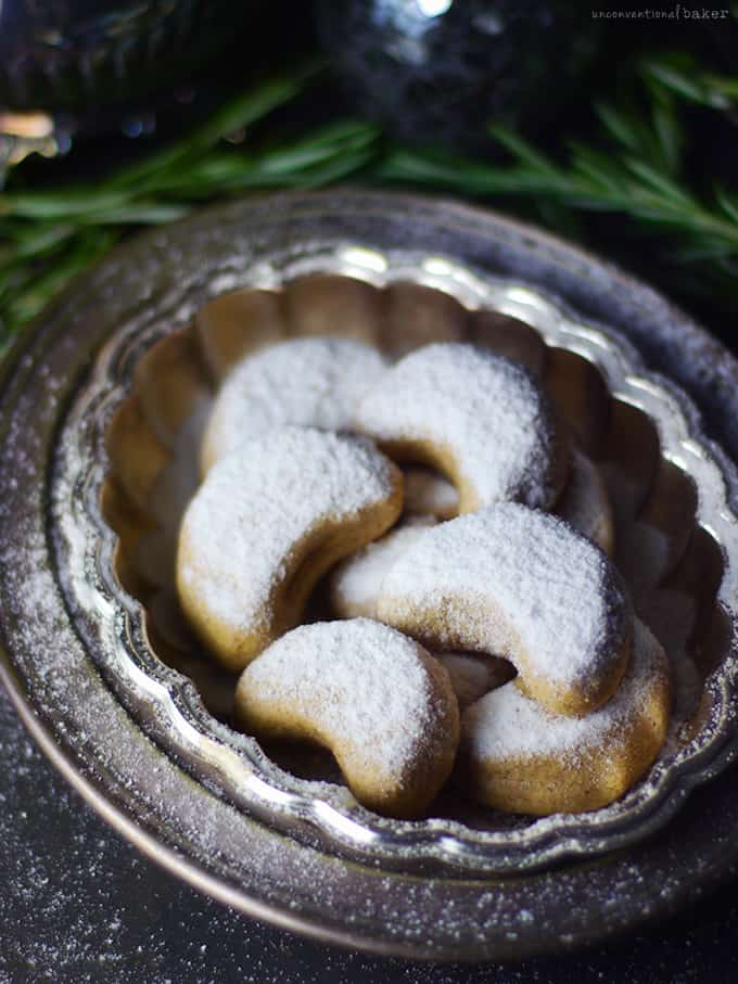 Almond Crescent Cookies @ Unconventional Baker: You absolutely need to bake all these delicious vegan Christmas cookies! They are scrumptious, delicious and EVERYONE will love them!