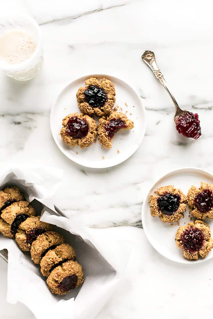 Vegan & Gluten-Free Holiday Thumbprint Cookies @ Blissful Basil: You absolutely need to bake all these delicious vegan Christmas cookies! They are scrumptious, delicious and EVERYONE will love them!