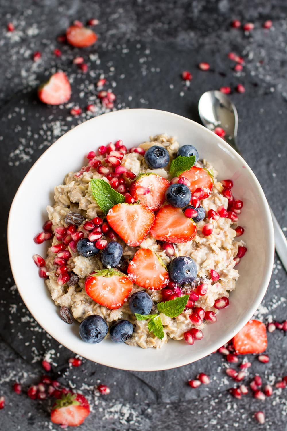 Vegan Bircher Muesli from Lauren Caris Cooks: 100+ awesome vegan meal prep ideas, easy to cook and delicious to eat!