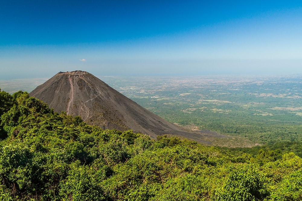 Izalco volcano, El Salvador: a cheap destination for everyone!