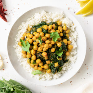 Chickpea curry plate top view