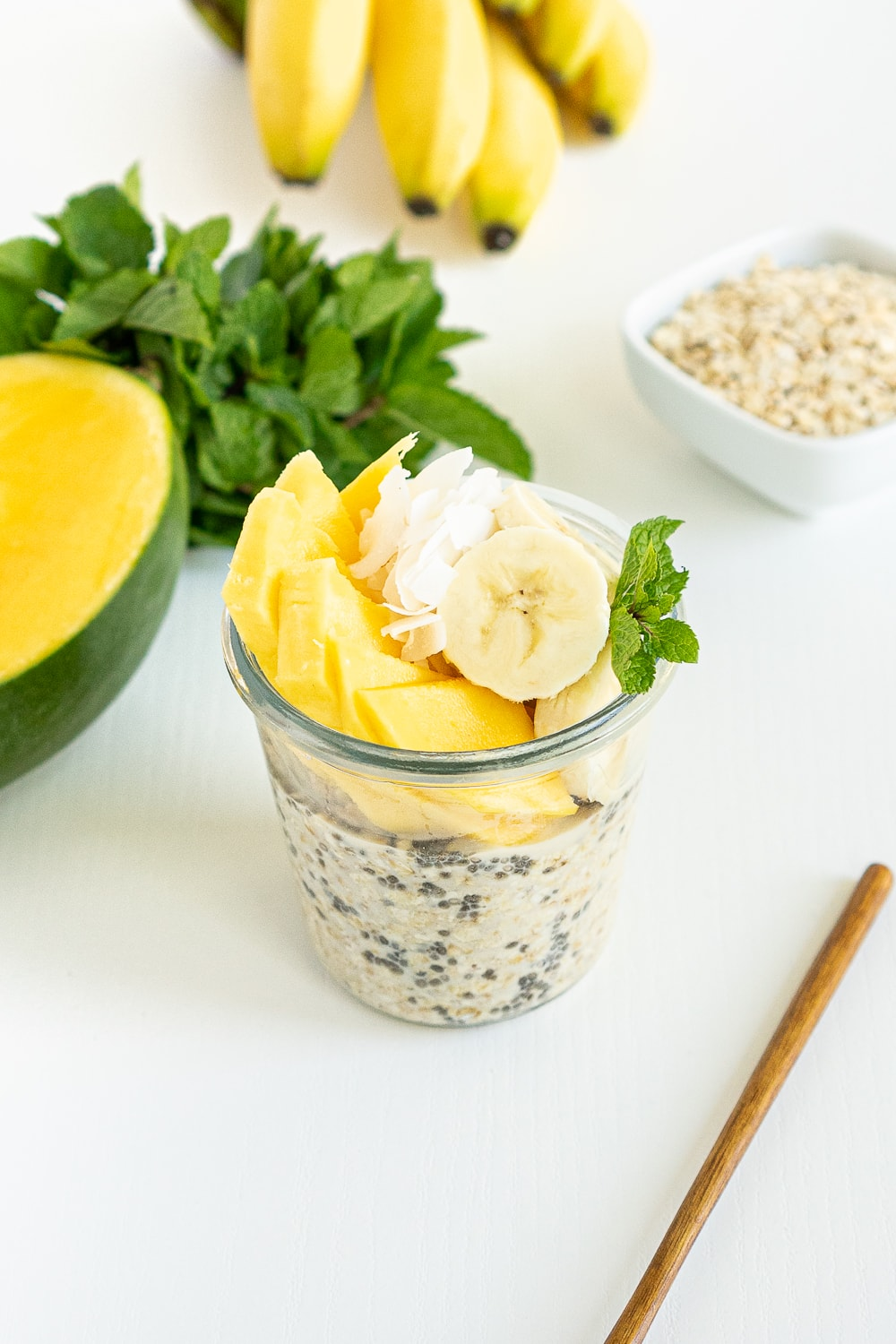 Tropical Overnight oats recipe: oats in a jar with mango, coconut and banana