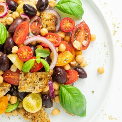Panzanella recipe: a delicious and healthy Italian style salad with tomatoes and stale bread