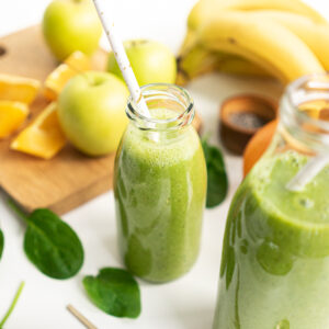 This Energizing Green Smoothie is filled with whole nutritious ingredients to boost your energy and focus. Spinach, banana, orange, green apple, oat milk, and chia seeds make it the perfect smoothie to help you recharge and glow!