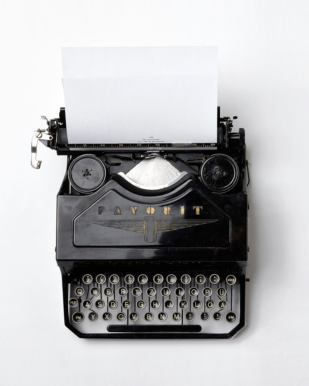 Typewriter: one of the ways to make money online: become a freelance writer