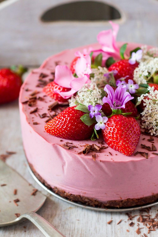 Vegan Strawberry Cheesecake by Lazy Cat Kitchen